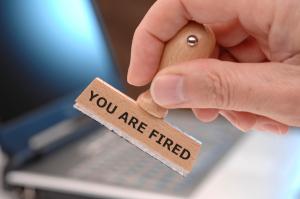Как подать уведомление у уфмс об увольнении сотрудника
