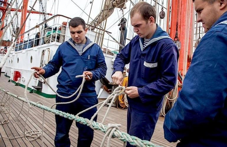 Зарплата моряков